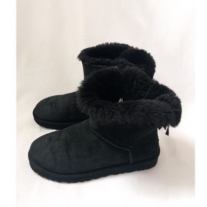 Ugg Bailey Mini Bow Boots in Black